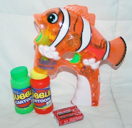 "BR251 - 7.5"" Clownfish Light Up Bubble Gun (1 pc @ $5.90/pc)"