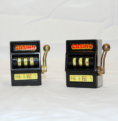 "JB152 - 3"" Metal Slot Machine Toy no Batteries (12pcs @ $1.00/pc)"
