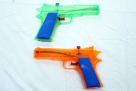 "JB156 - 7"" Plstic Water Guns (24pcs @ $0.65/pc)"