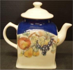 "French Ctry Teapot 7""t"