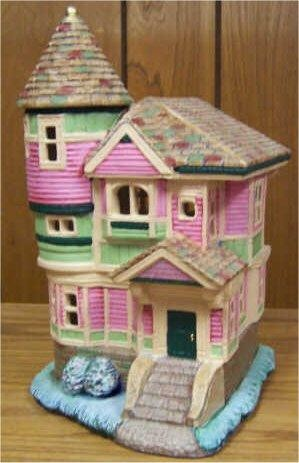 "Petro Queen Anne House 10.5""x6""x 5'"