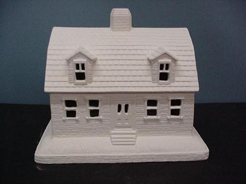 "VIP Gambred Roof House 6""Hx7.5""L"