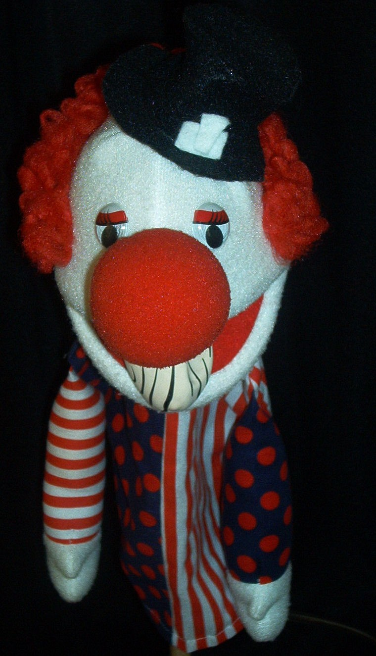 Bald clown puppet w/hat